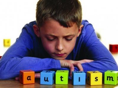 Komunikasi Orang Tua Sembuhkan Anak Autisme