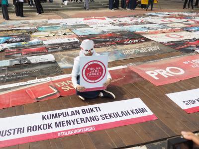 Aksi #TolakJadiTarget: Perusahaan Rokok, Serigala Berbulu Domba